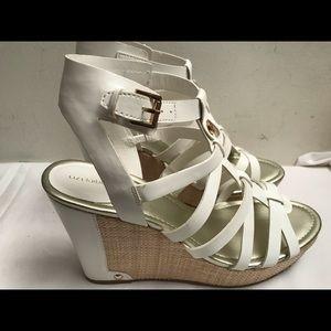 NEW Liz Claiborne White Wedge Shoes Sz 11M